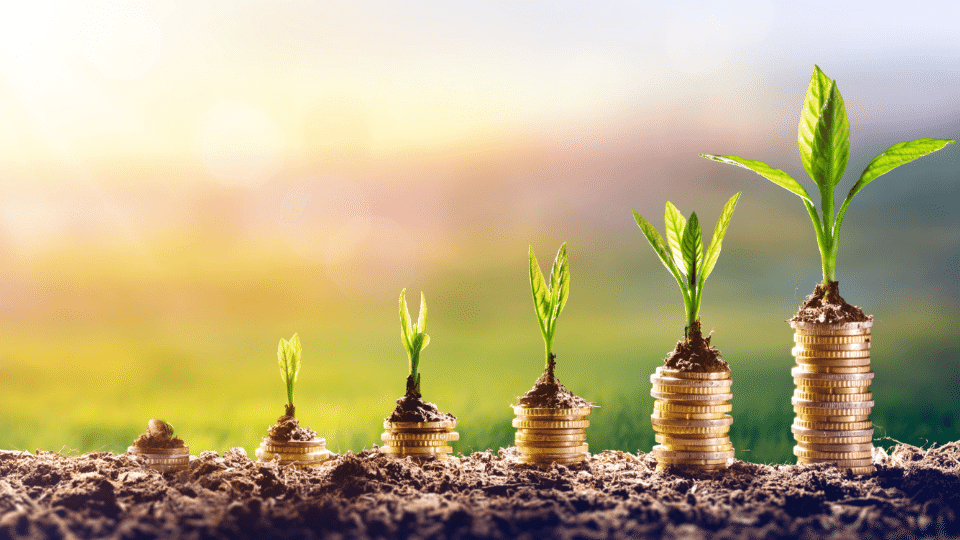 What are the different stages of a startup fundraising?